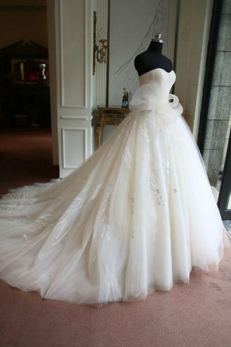 Real Samples Ball Gown Wedding Dress,Sweetheart Neck Wedding Gown,Applique Wedding Dress With Bow ,Ivory Wedding Dress,Cuatomized Made SW12